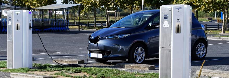 Borne de recharge pour voitures